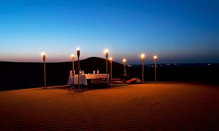 romantic dune dinner Dubai